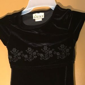 swat Dresses - Girls black dress with flower embroidery size 7